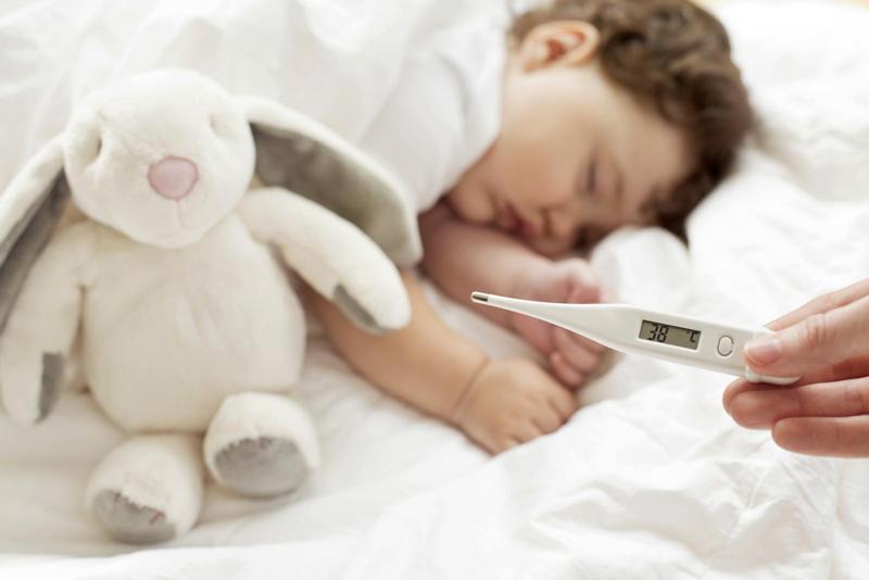 علائم تب در کودکان