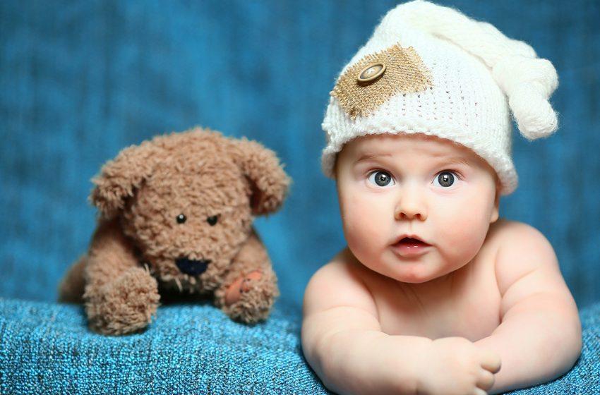 چرا نوزادان اشک و عرق ندارند؟